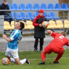 58150e5d7d484_soccer_rukh_vs_farma_odesa_1-0_kraws-kh_3243